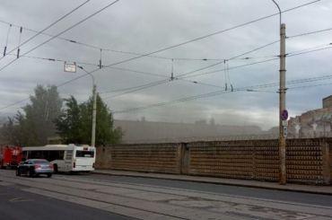 Пожарные потушили завод «Красный выборжец» пенной атакой