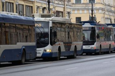 Троллейбусы изменят маршруты вцентре Петербурга наДень России