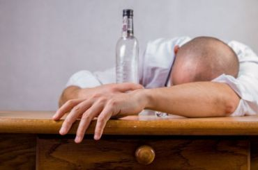 Запять лет ототравления алкоголем погибли почти 80 тысяч россиян