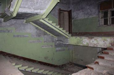 Пропали балясины иметаллические рамы особняка Челищева