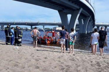 Подросток упал вводу сЯхтенного моста