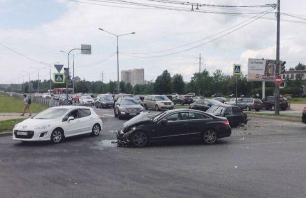 Двое малышей пострадали ваварии наСветлановском