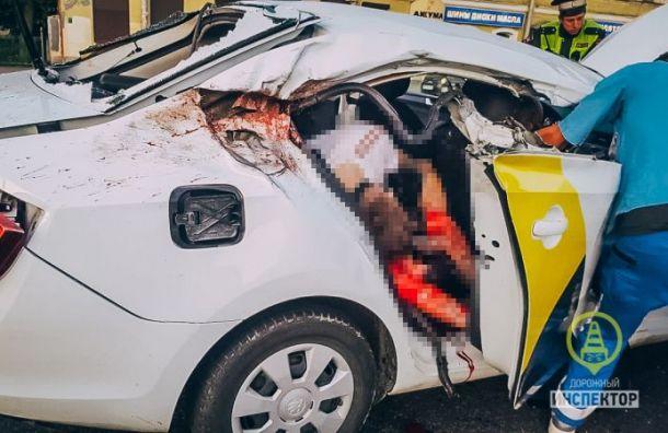 «Яндекс.Такси» после ДТП наОбводном отключил отпрограммы таксопарк