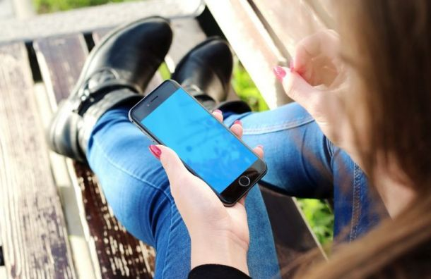 Самые дорогие телефоны продаются вПетербурге