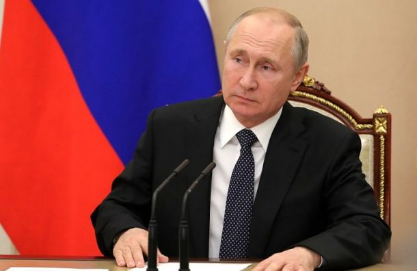 Путин посмертно наградил четырех подводников званием Героя России