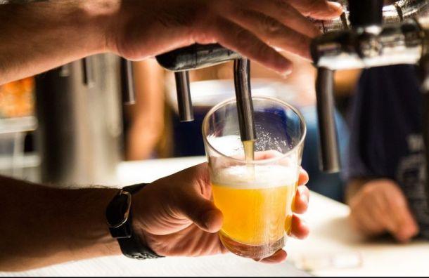 Петербуржцы оказались среди самых пьющих российских туристов