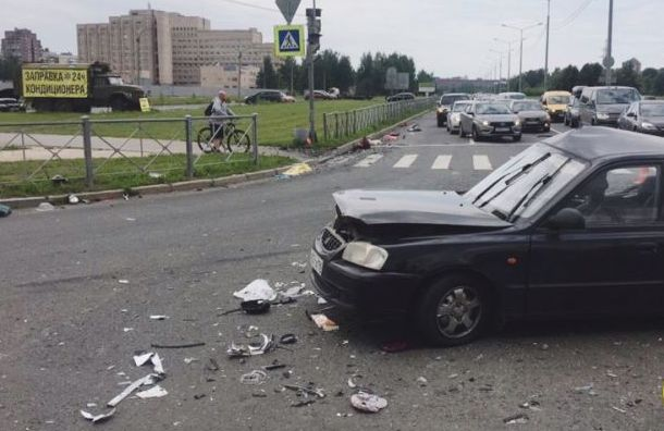 Мать двоих детей скончалась вбольнице после аварии наСветлановском