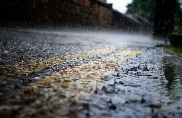 Дождь вернулся вПетербург впятницу