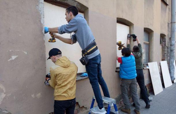 Активисты засвой счет законсервировали заброшенный исторический дом