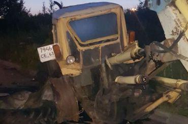 Водитель погиб, влетев встарый трактор напроспекте Культуры