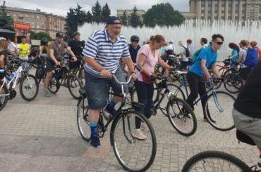 Амосов предложил внести велодорожки вгенплан Петербурга