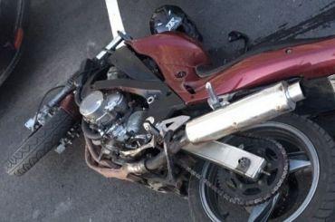 Мотоциклист сбил курьера «Яндекс. Еды» вБуграх
