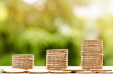 Большинство россиян получают зарплату в23,5 тысяч рублей