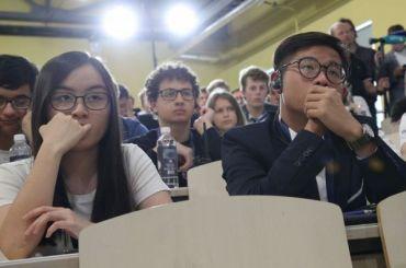 Школьники из24 стран приехали вПетербург наолимпиаду поэкономике