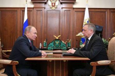 Путин разрешил иностранцам приезжать вПетербург поэлектронным визам