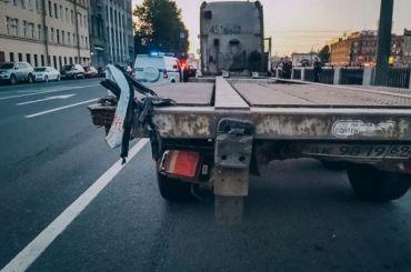 Два пассажира такси погибли нанабережной Обводного канала
