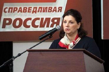 Надежда Тихонова требует отменить решение об избиркомах вне Петербурга