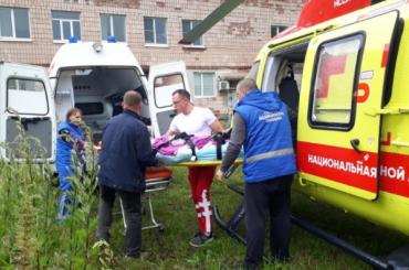 Мужчину ссильными ожогами доставили вертолетом изГатчины вТоксово