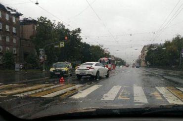 Ливень добавил Петербургу пробок иаварий