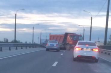 Самсовал перекрыл проезд поШафировскому проезду