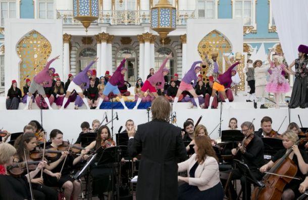 Фестиваль «Опера— всем» начнется наСоборной площади Петропавловки