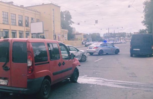 Двое детей пострадали ваварии наГренадерской улице