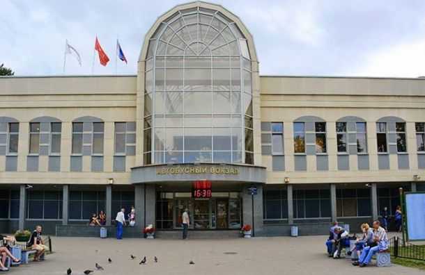 Автовокзал наОбводном эвакуировали из-за гранаты вмусорном баке