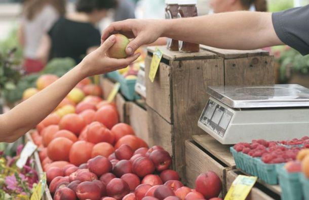 Россия запретила ввоз фруктов иягод изКитая