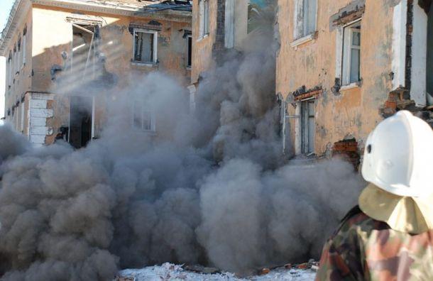 Двое рабочих погибли в ходе демонтажа здания в Волхове