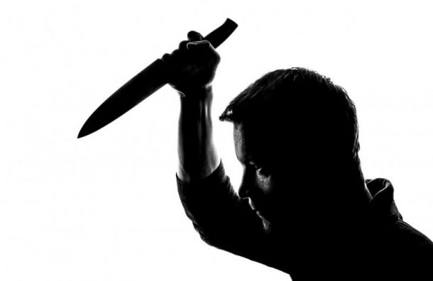 Арестован агрессивный водитель, ударивший петербуржца ножом