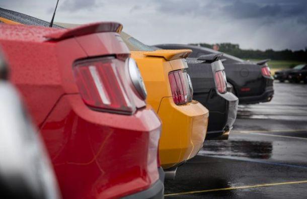 Продажи автомобилей вПетербурге падают третий месяц подряд