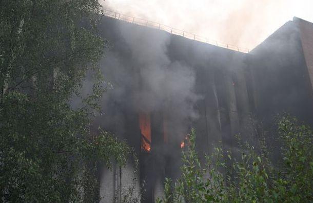 Пострадавшие впожаре наСкладской мигранты находятся втяжелом состоянии