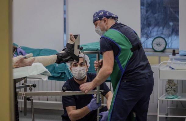 Упавшую с15-метровой высоты девушку спасли вЕлизаветинской больнице