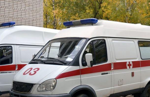 Мужчина избил врачей скорой помощи вПетербурге