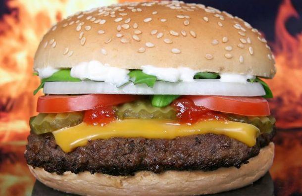 Рестораны «Бургер Кинг» откроются назаправках «Газпрома» вПетербурге