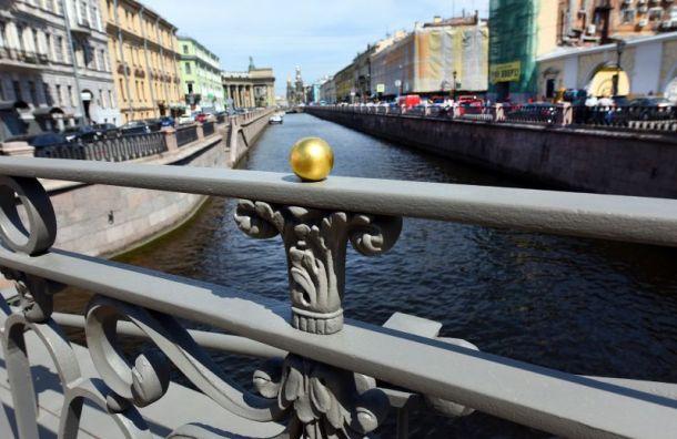Позолоченные детали вновь украли сБанковского моста