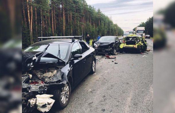 Три человека пострадали ваварии изсеми машин вЛенобласти