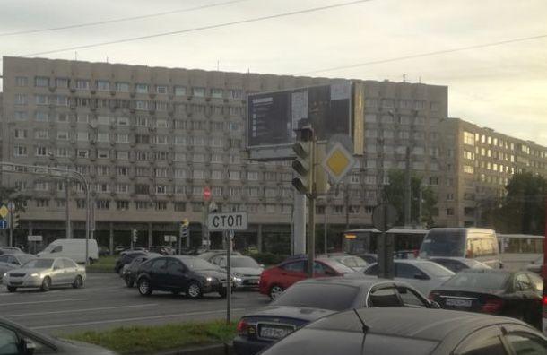НаГамбургской площади возник хаос из-за неработающих светофоров