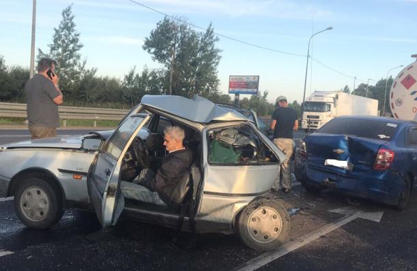 Петербуржцы хотят купить машину блокаднику, попавшему вДТП сбензовозом