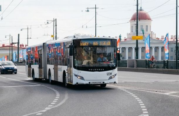 Смольный запретит рекламу наобщественном транспорте