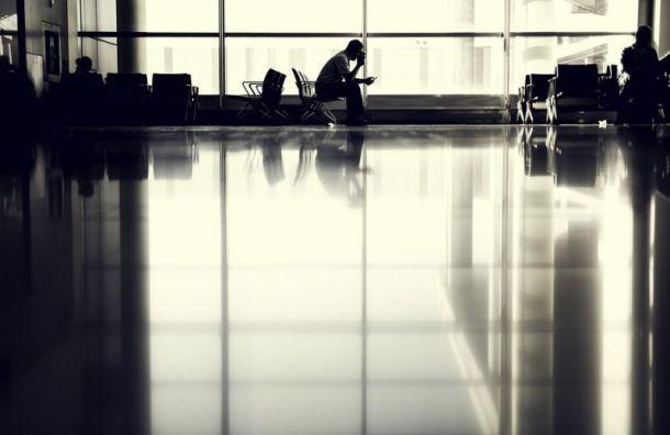 Вылет самолета изПетербурга вМоскву отменили из-за неисправности