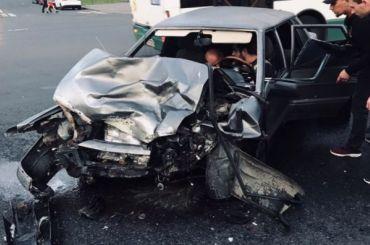 Водитель ВАЗа пострадал ваварии скаршерингом