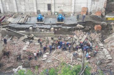 Под завалами рухнувшего дома вНовосибирске оказались 12 человек