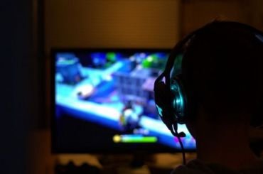 Школам разрешили учить детей играть вDota 2 иMinecraft
