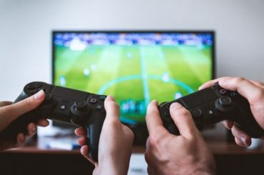 ВЦИОМ: петербуржцы тратят навидеоигры около тысячи рублей вмесяц