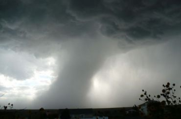 Водители засняли торнадо над «Сортавалой»