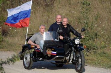ГИБДД отказалась штрафовать Путина заезду без шлема вКрыму