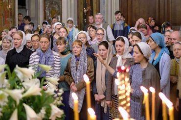 Треть молодых россиян назвала себя неверующими