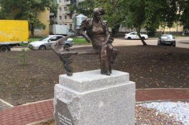 Памятник Фаине Раневской установили вПриморском районе
