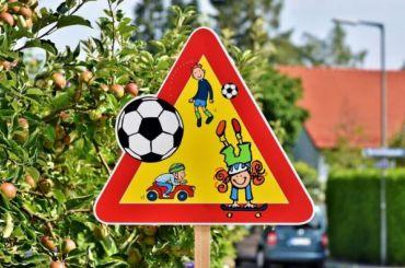 Навигатор «Яндекса» предупредит водителей оприближении кшколам